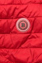 Červená prešívaná bunda so vzorovanou podšívkou
